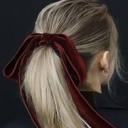 8 49068ab49a4a715e2756dd8b98b1da1f 180x180 - خواص سیر برای مو و طرز تهیه ماسک موی سیر برای تقویت مو